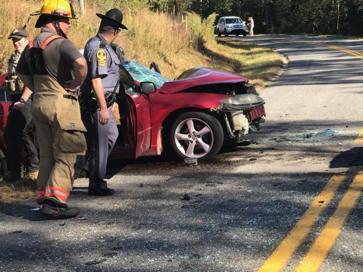 Head-on collision on Craddock Road in Ridgeway injures 3